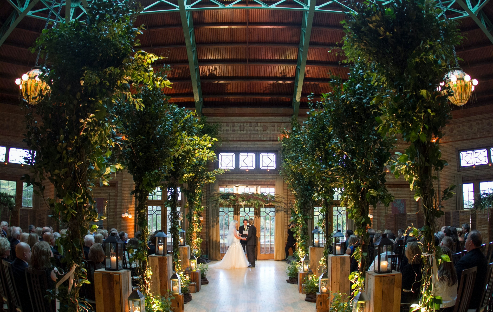 Wedding aisle ideas - Cafe Brauer