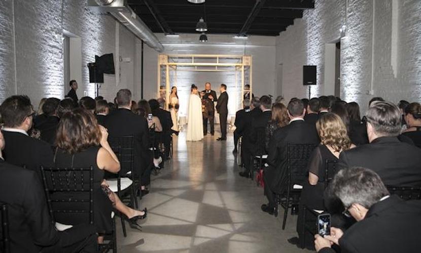 Chicago Glam Urban-Chic Wedding-aisle