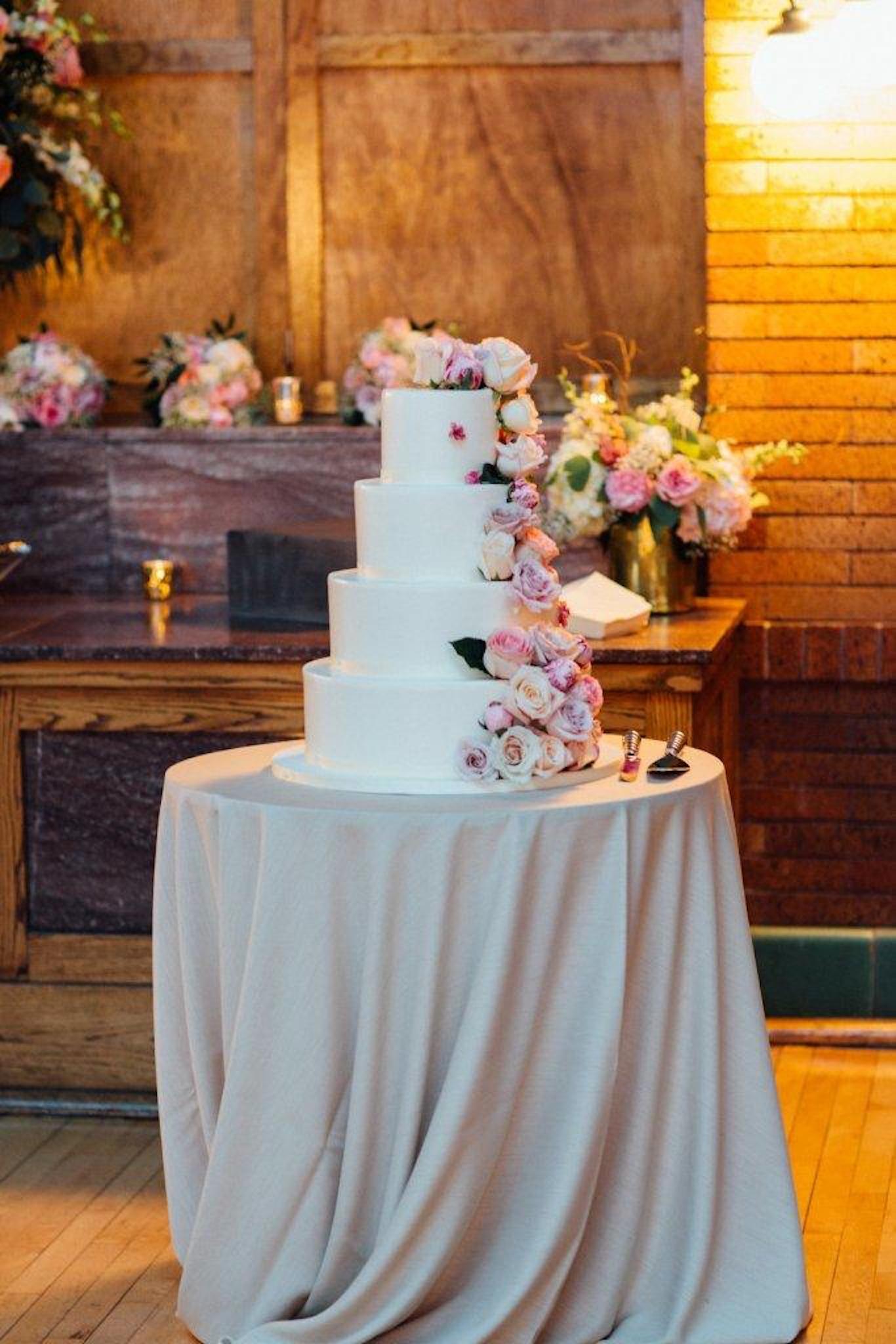 Flower wedding cake idea