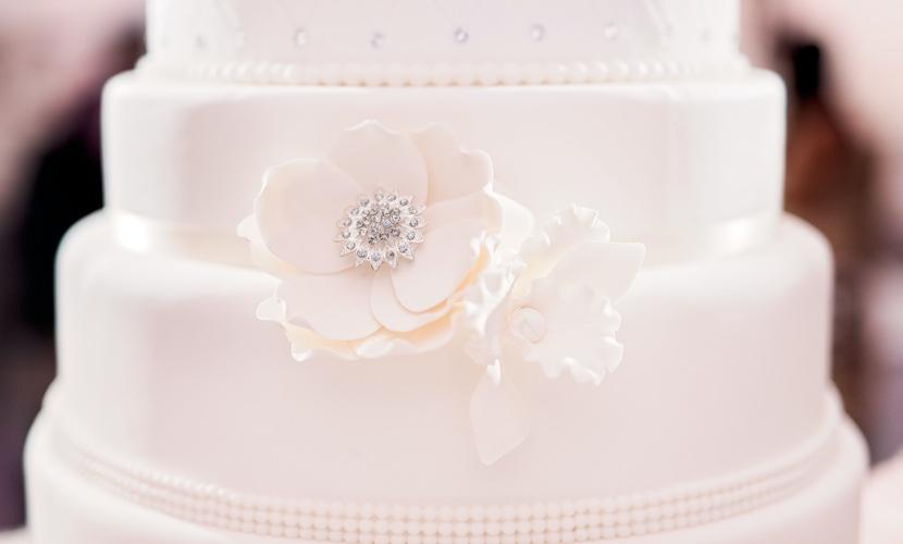 Wedding cake at ray j and princess love wedding