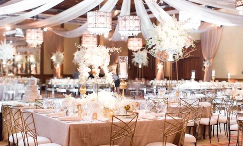 White destination wedding Scottsdale - decor