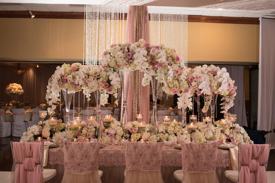 Wedding Head Table Idea by Simple and Chic