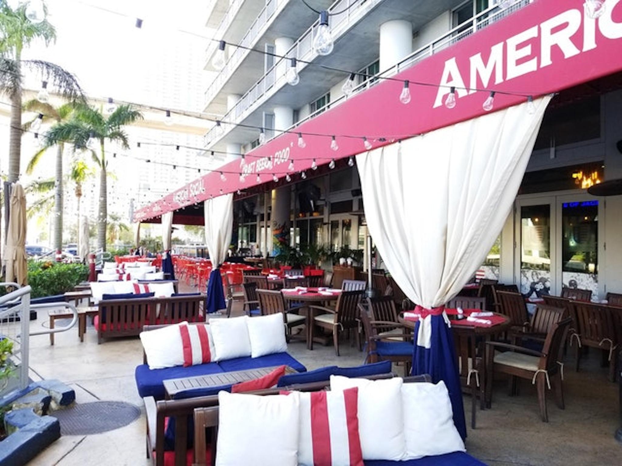 Outdoor dining at American Social Brickell