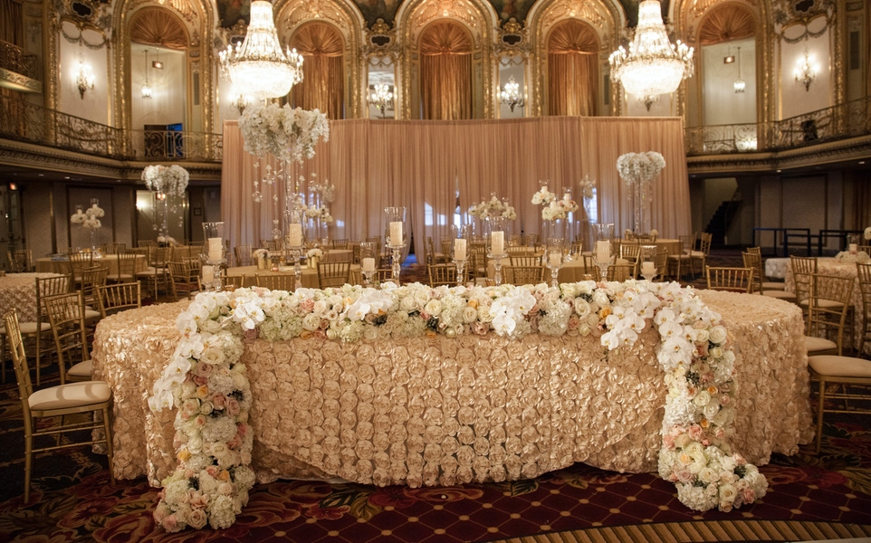 wedding table made of flowers