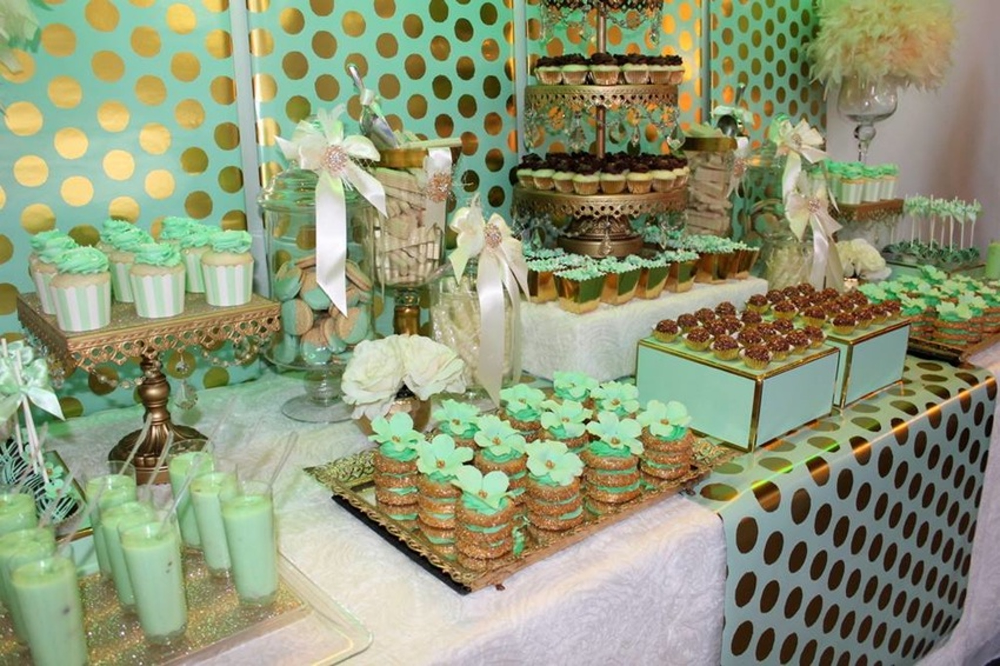 11 Beautiful Candy Buffet And Dessert Tables Partyslate