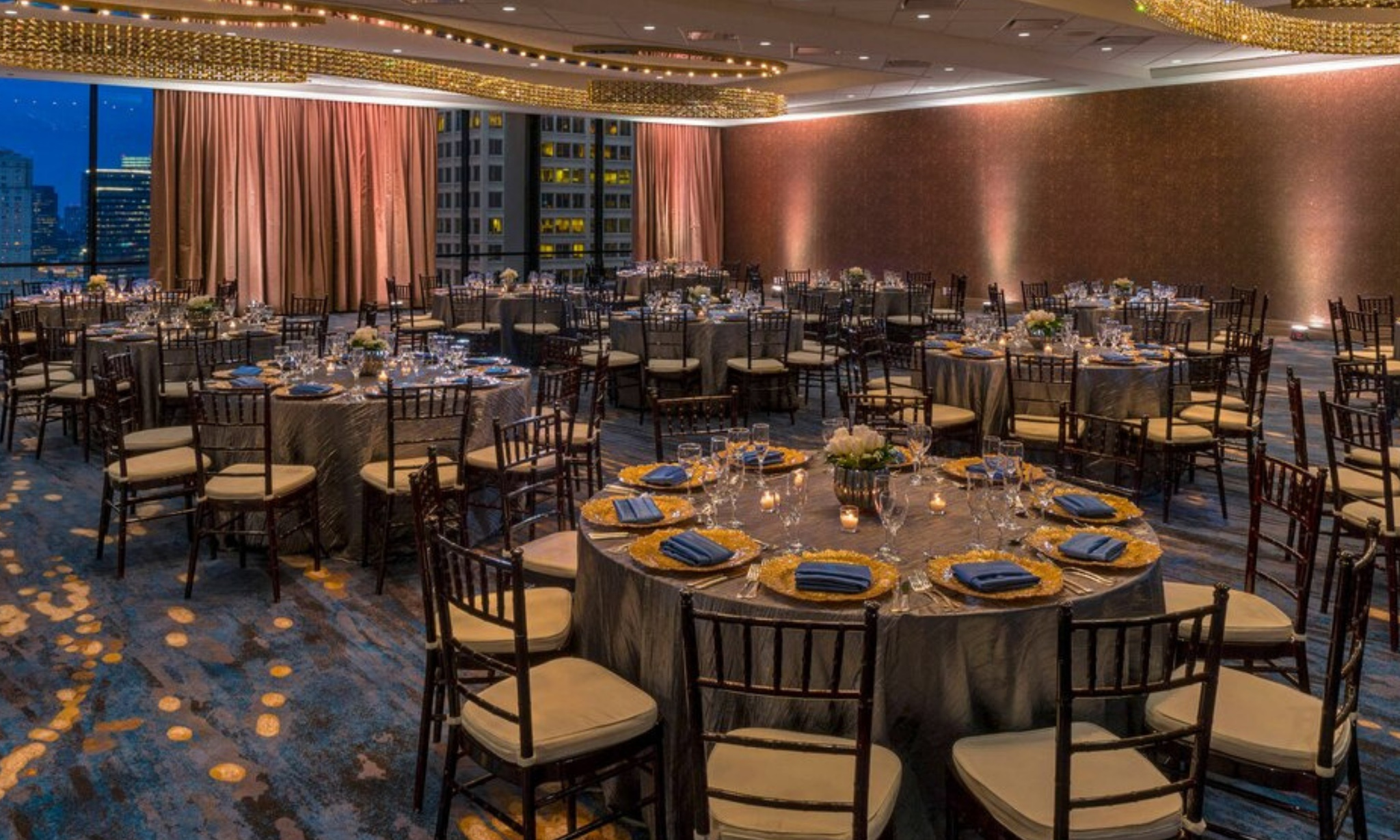 Ombre walls and orange and blue decor at Westin Galleria Houston