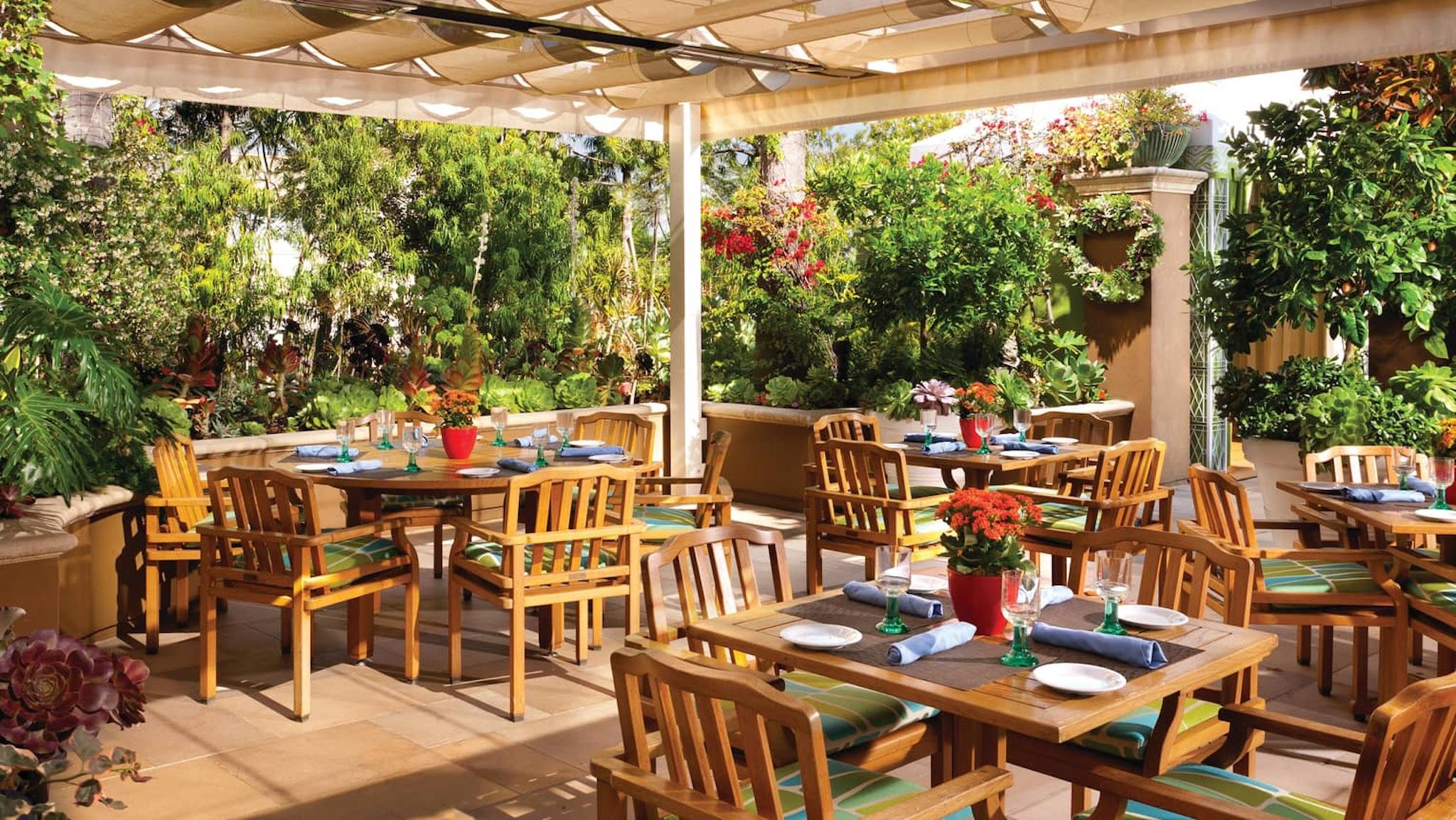 Cabana, Four Seasons Los Angeles at Beverly Hills