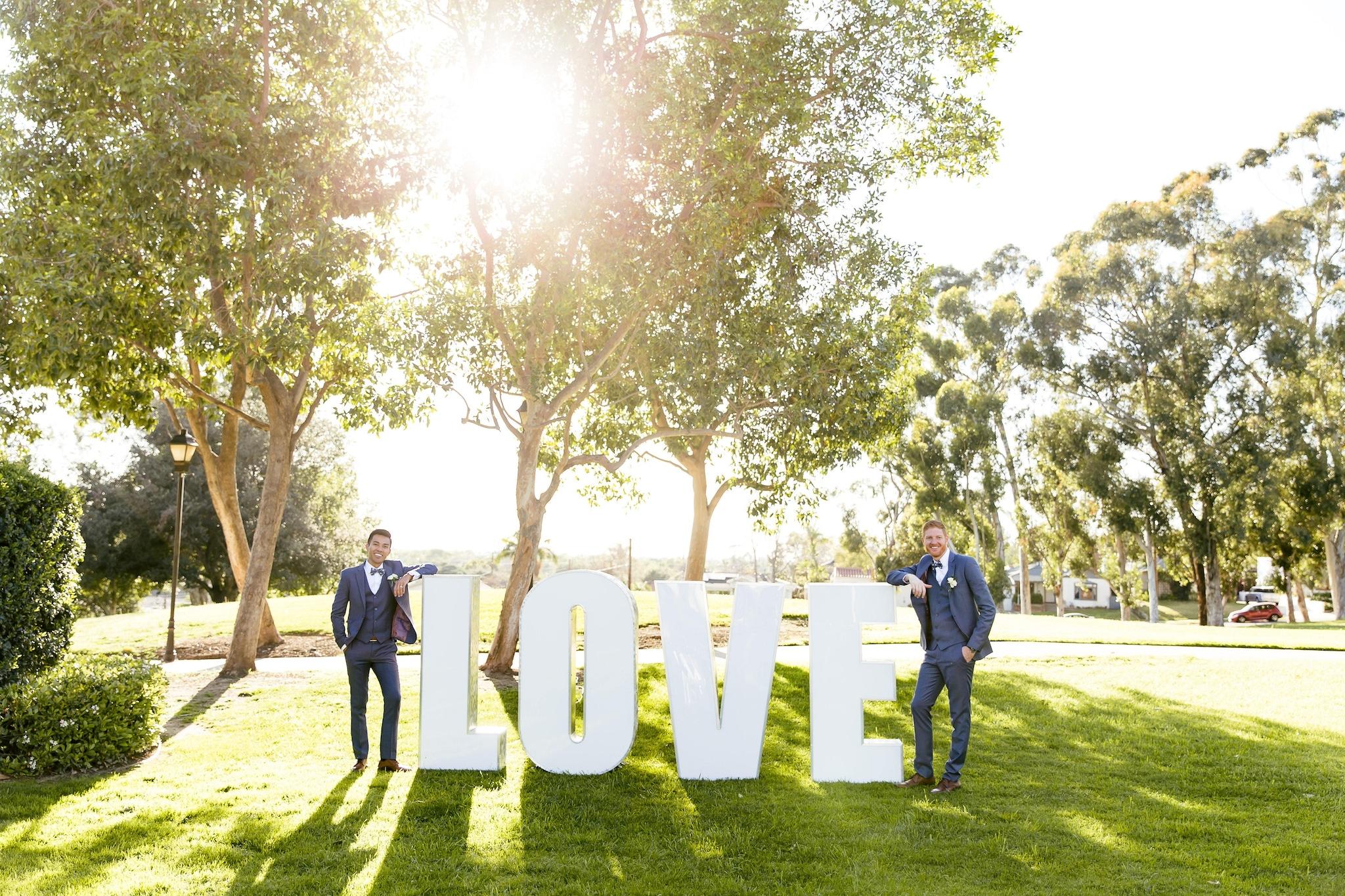 Love sign outdoor wedding