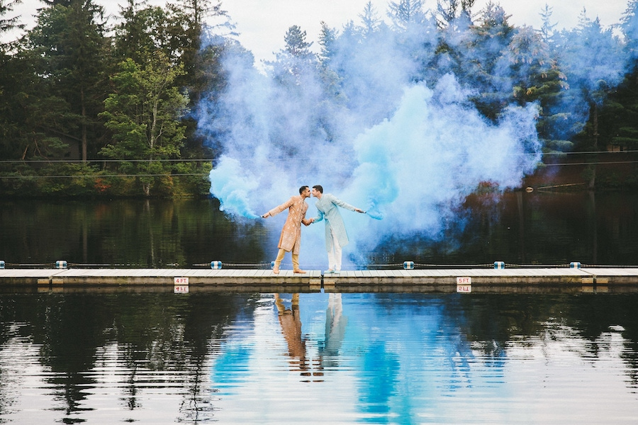 wedding smoke bomb