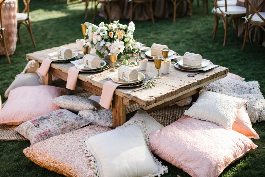 Amorology pink and white pillows and table decor