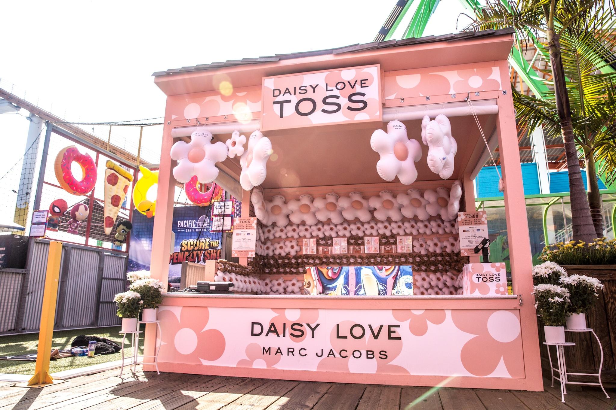 Daisy branded tent