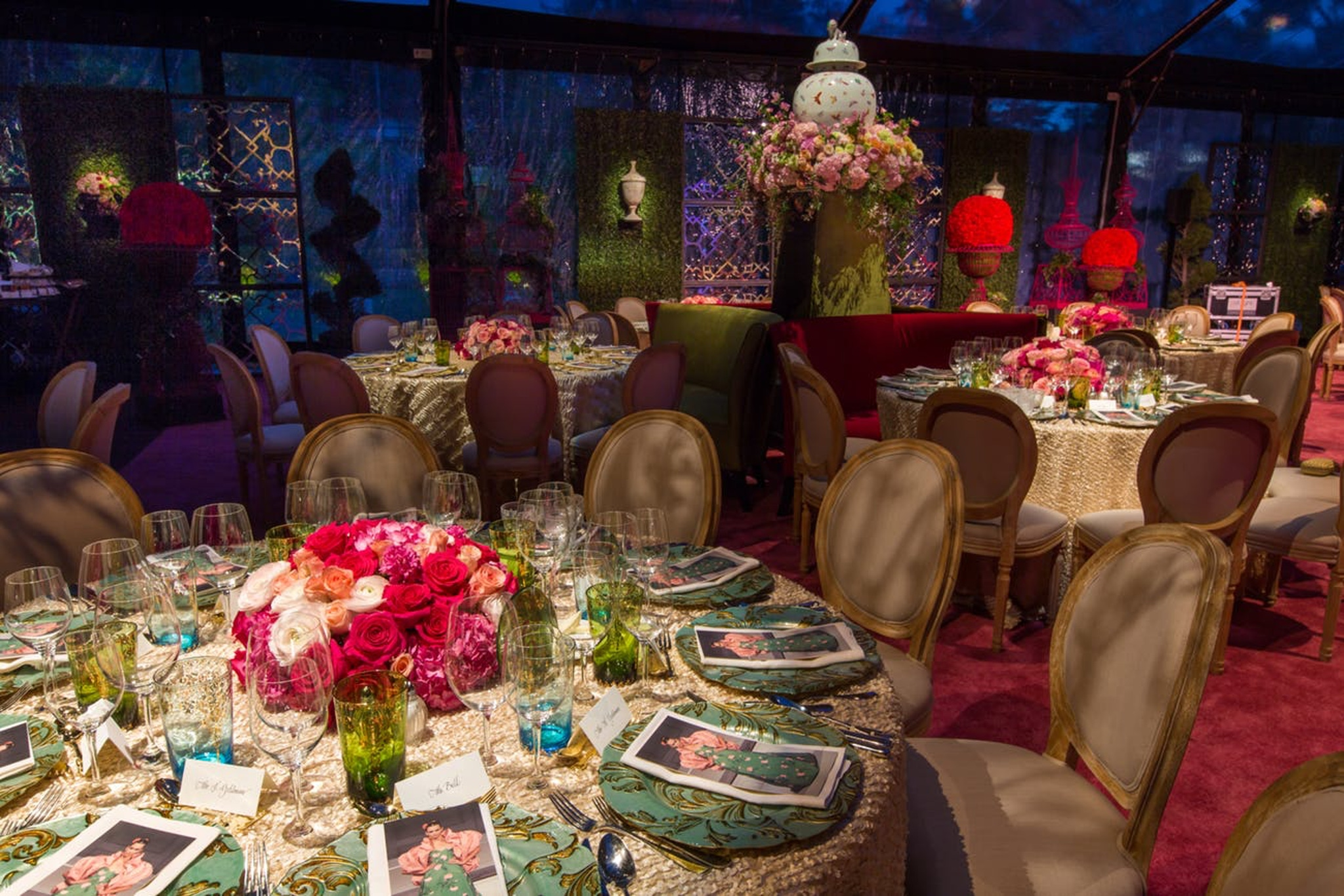 Oscar de la Renta dinner party with whimsical decor and beautiful tablescapes and pink details