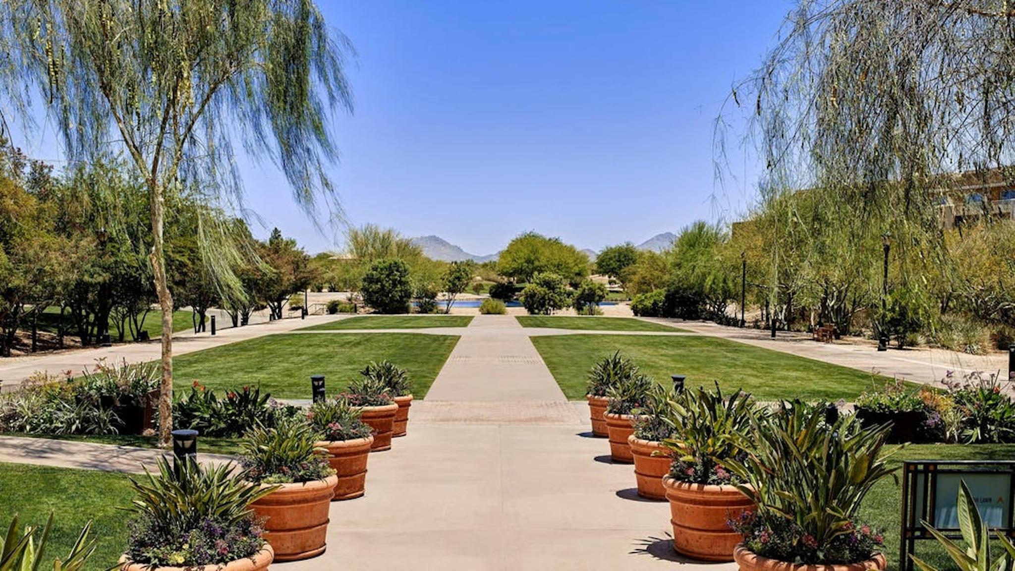 walkway at JW Marriott Phoenix Desert Ridge Resort & Spa