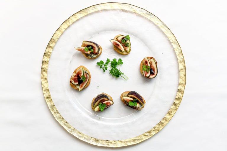 artfully plated figs