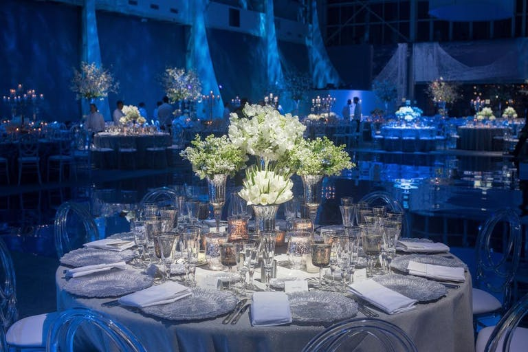 Corporate dinner party with contrasting color décor.