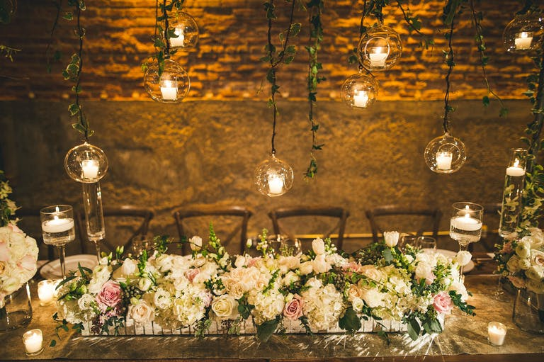 Glamorous Winter Wedding at Gallery 1028 in Chicago, IL