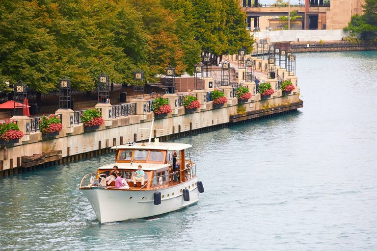 Chicago's First Lady Cruises boat exploring Lake Michigan | PartySlate