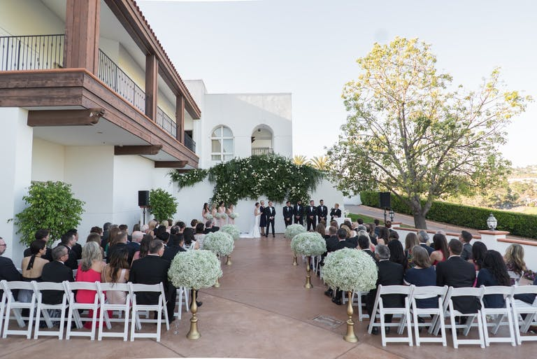 Pure Classic Wedding With Baby's Breath Wedding Aisle Décor