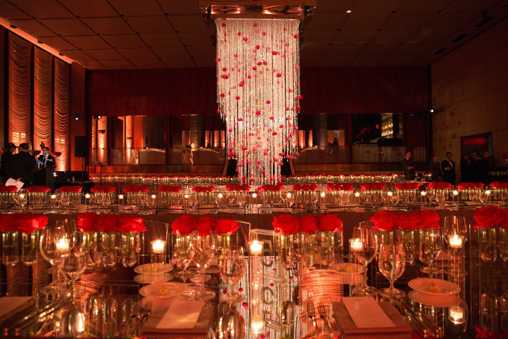 Sparkly Modern Wedding at THE GRILL   THE POOL by Major Food Events in New York With Rose Wedding Centerpieces