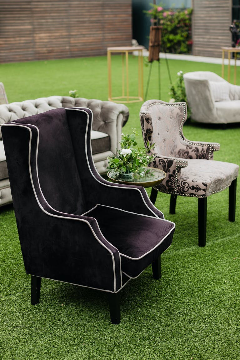 2021 trend outdoor furniture used for a wedding ceremony | PartySlate