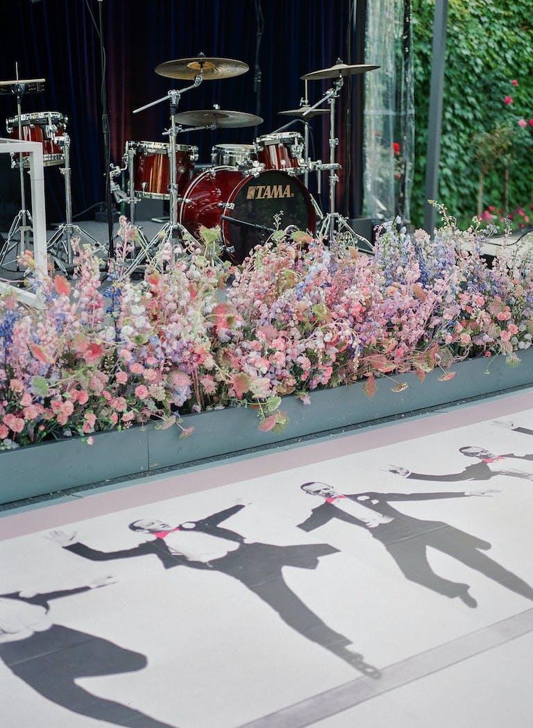 2021 trend pastel tie-dye floral lining   PartySlate