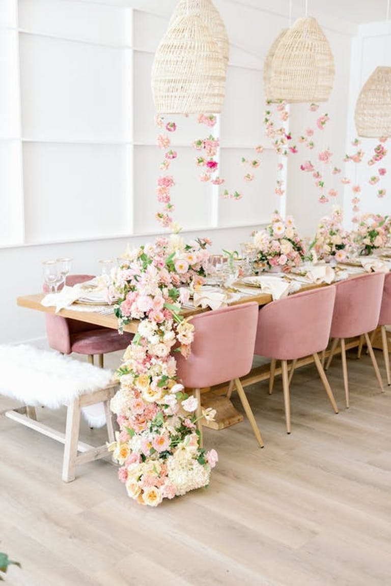 2021 Trend Rosé inspired table for 10 | PartySlate