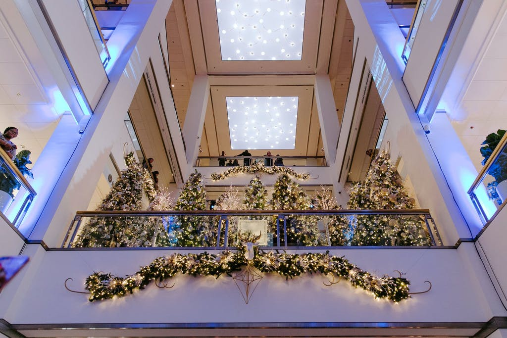 A Shot of the Upper 900 N Michigan Avenue Shops Taken With Holiday Décor | PartySlate