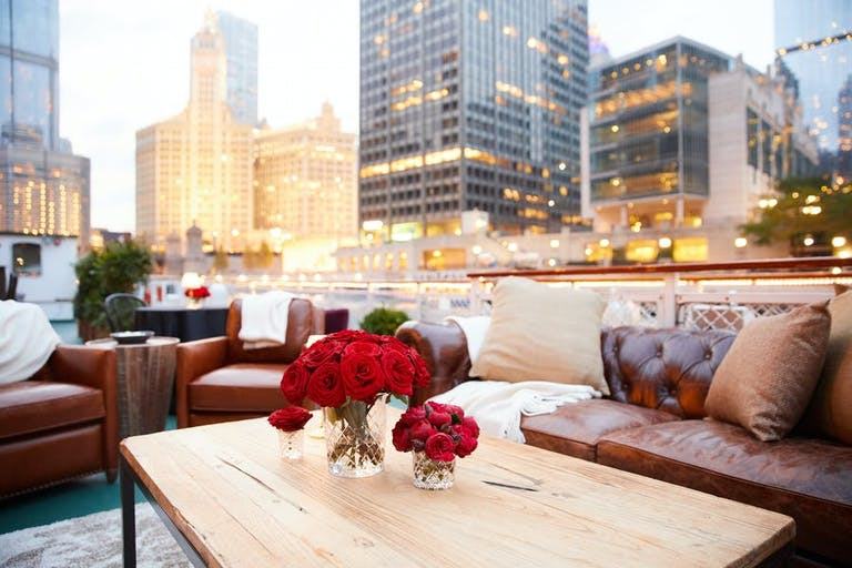 Romantic River Cruise 40th-Birthday Party in Chicago | PartySlate