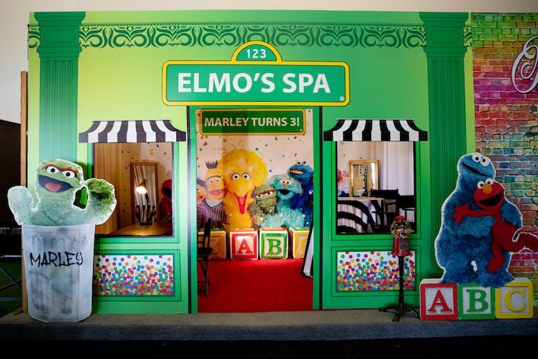 Kids Birthday Party Ideas With Elmo's Spa Photo Backdrop | PartySlate