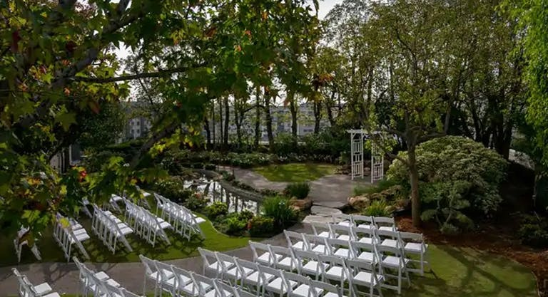Garden Style Wedding at DoubleTree by Hilton Hotel Los Angeles, CA   PartySlate