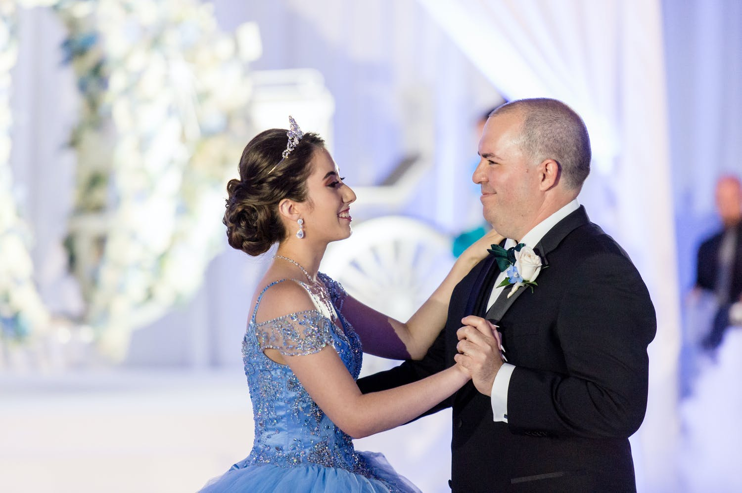 Father and daughter dance at Cinderella-themed quinceañera | PartySlate
