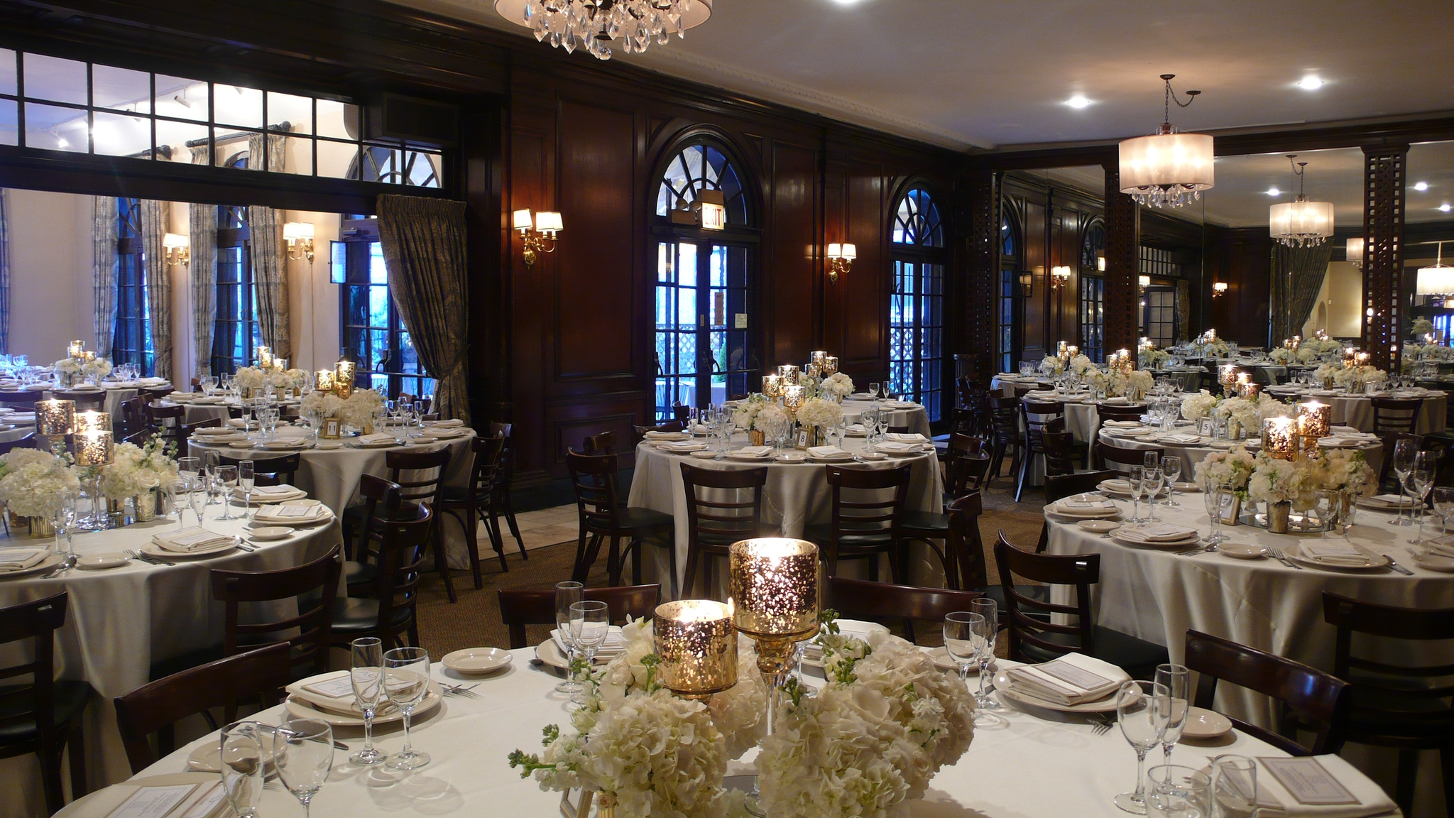 12 Chicago Venues for Memorable Corporate Holiday Parties