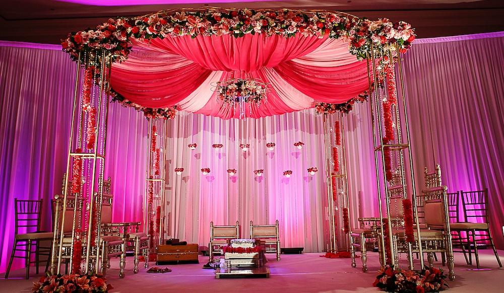 26 Gorgeous Indian Wedding Mandap Ideas | PartySlate